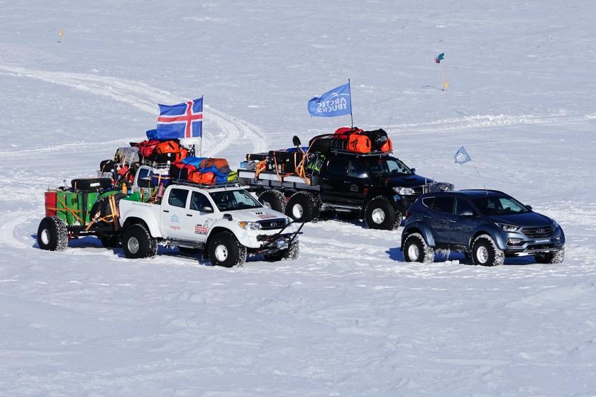 arctic-trucks1