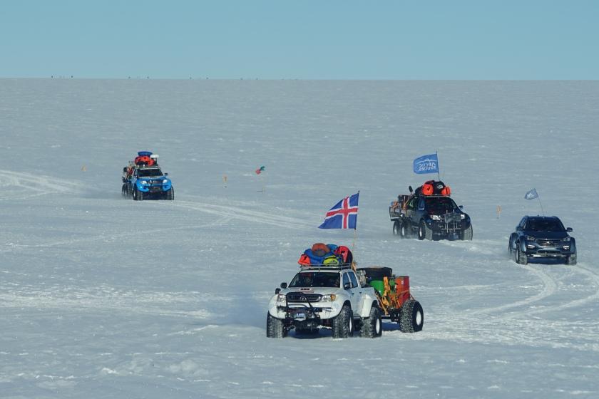 arctic-trucks3